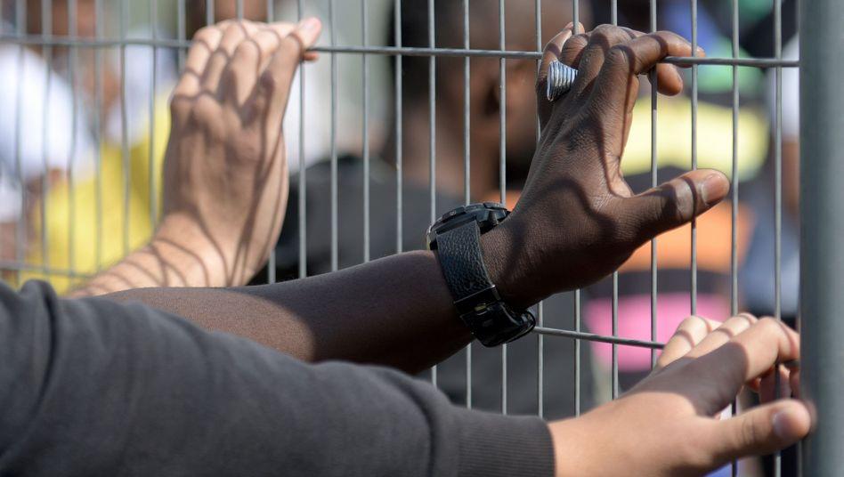 Transitzentrum im bayerischen Manching: Künftig sollen Abschiebekandidaten auch in regulären Haftanstalten untergebracht werden können