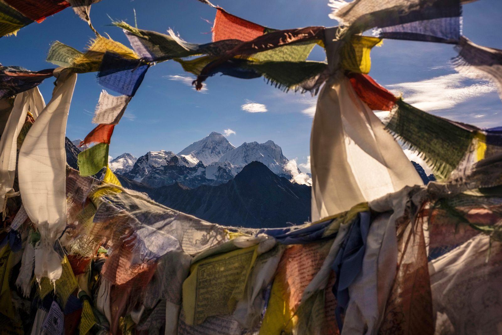 Summit of Mt. Everest, seen from summit of Gokyo Ri, through