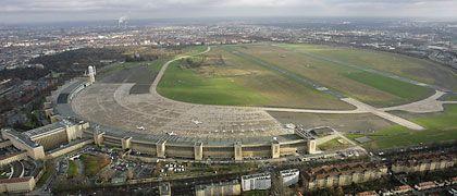 Luftaufnahme des Flughafens Tempelhof in Berlin - dessen Tage sind offenbar gezählt