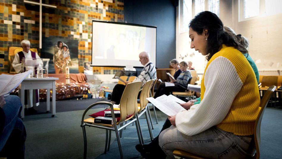 Gottesdienst in der Bethel-Kirche in Den Haag am 6. Dezember