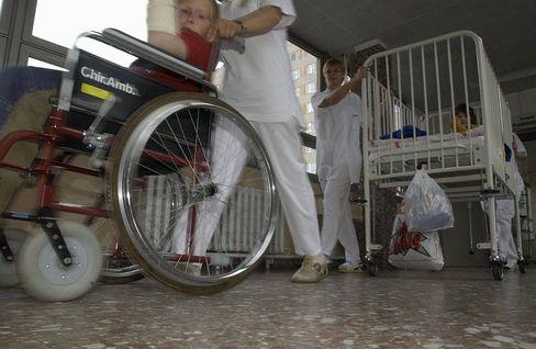 Kinderstation im Krankenhaus: Nur 25 Prozent der Krankenhäuser können engmaschige Betreuung nach einer Operation garantieren.