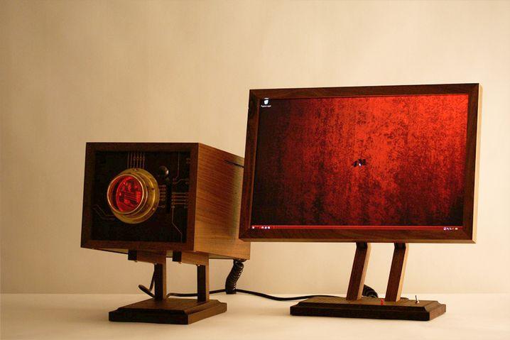 Computer-Prototyp 4M: Anleihen bei HAL 9000 und Möbeln vergangener Jahrhunderte