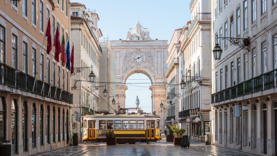 Triumphbogen Arco de Rua Augusta im Zentrum der portugiesischen Hauptstadt Lissabon