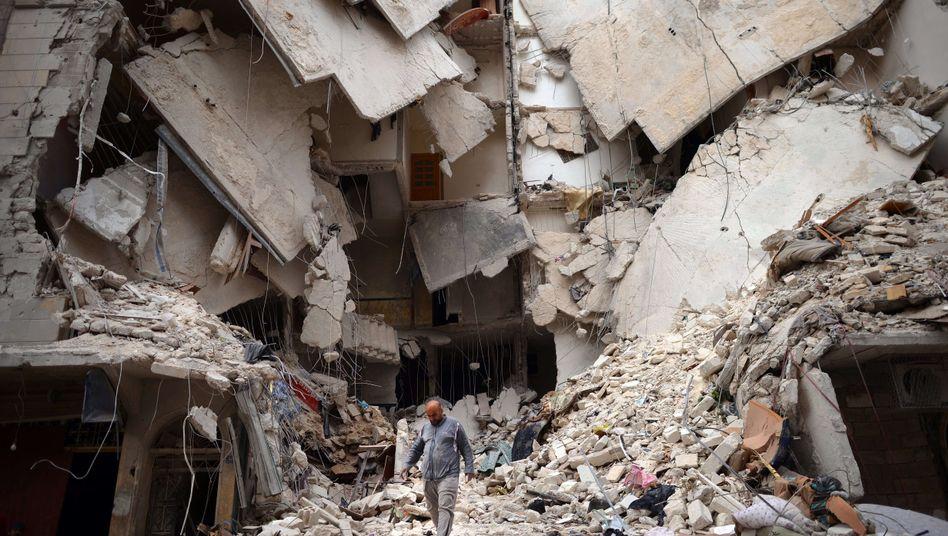 Ruine in Aleppo: Die US-Regierung spricht von einem wahrscheinlichen Chemiewaffen-Einsatz in Syrien