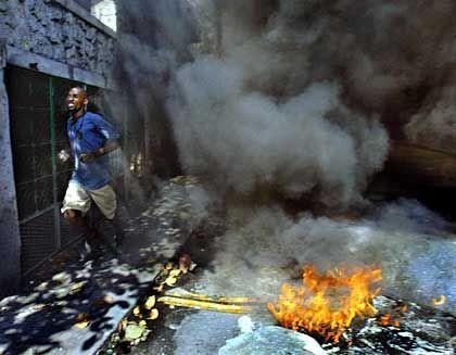 """Unruhen auf den Straßen Haitis: """"Die Armee hat die Verantwortung übernommen"""""""