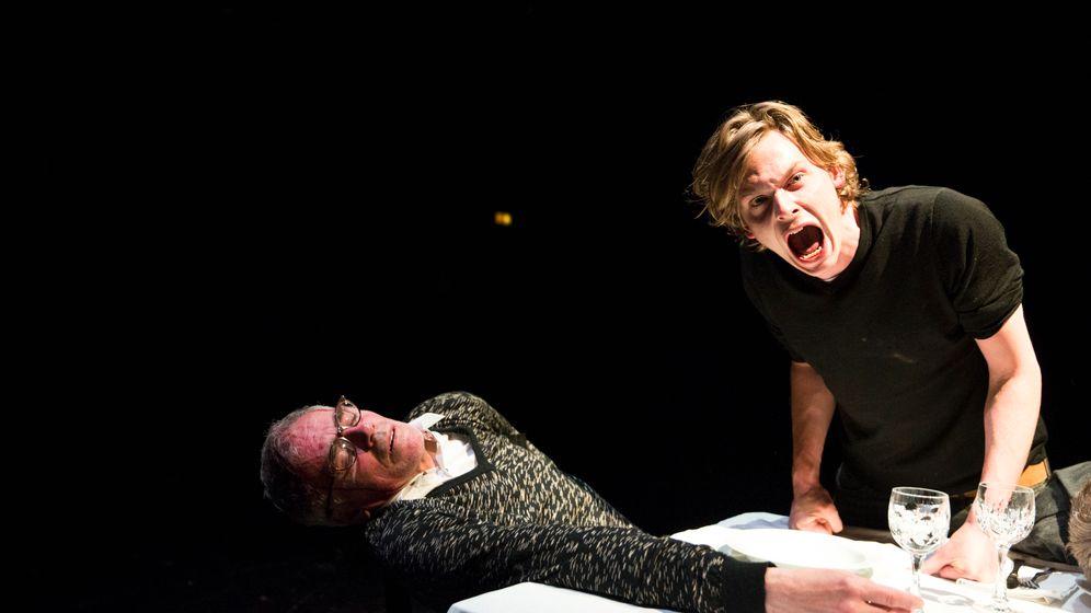 Oliver Frljics Wuttheater im Münchner Marstall: Gipfel der Provokation