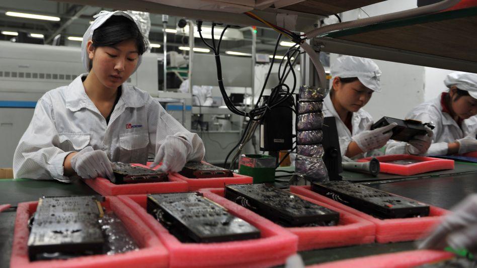 Arbeiter in Foxconn-Fabrik: Wie schlecht sind die Arbeitsbedingungen tatsächlich?