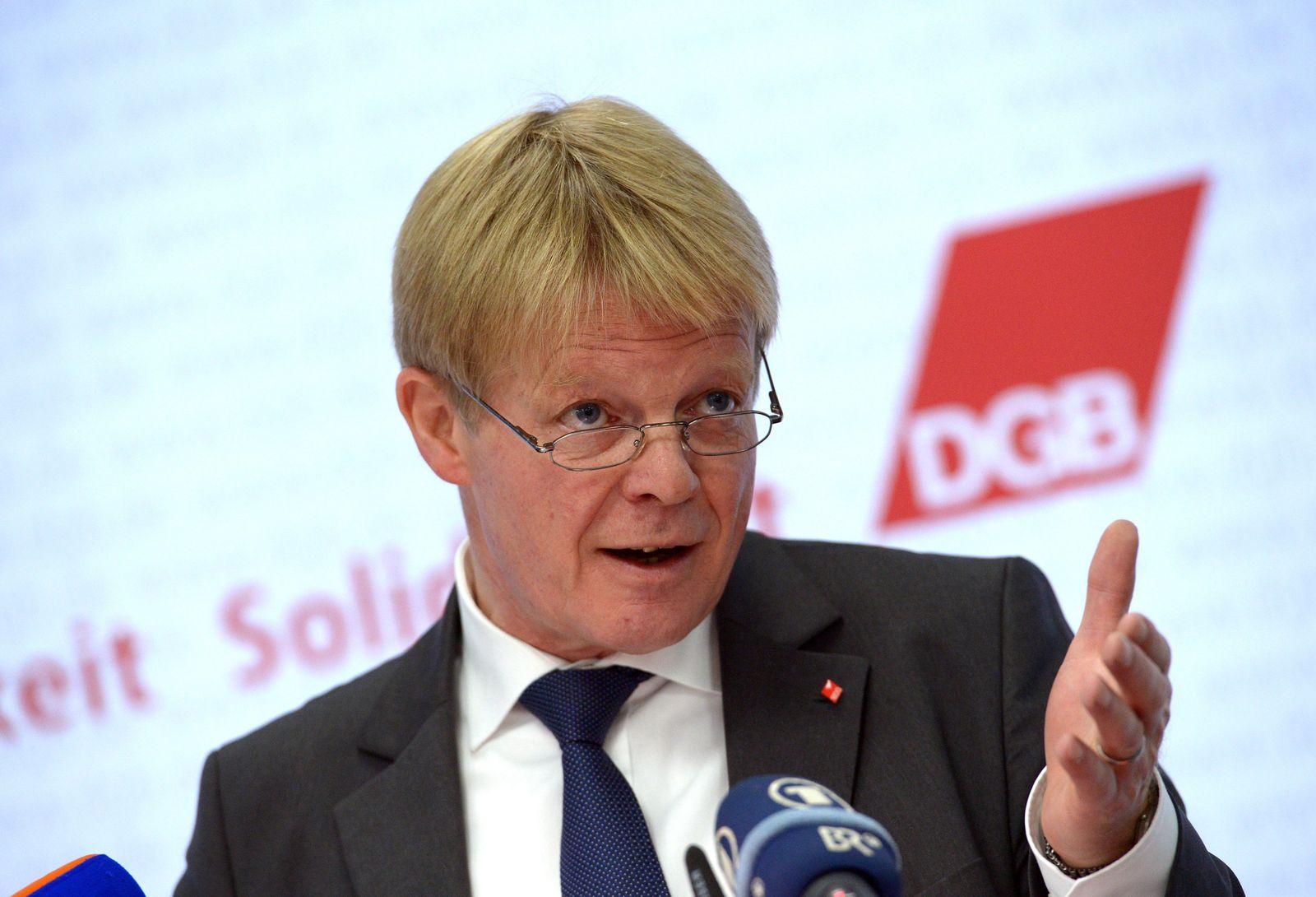 Pk DGB-Vorsitzender Hoffmann zum Thema Tarifeinheit