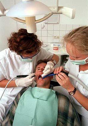 """Patient beim Zahnarzt: """"Dein Mund ist wie eine Wohnung, die renoviert wird"""""""