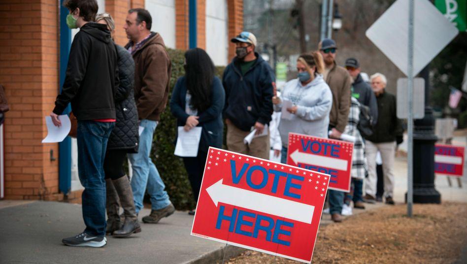 Ansturm von Frühwählernim überwiegend republikanischen Landkreis Georgia