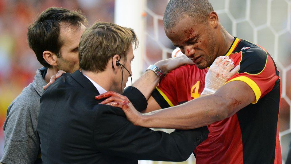 Belgiens Kapitän Kompany: Zusammenprall mit dem gegnerischen Torwart