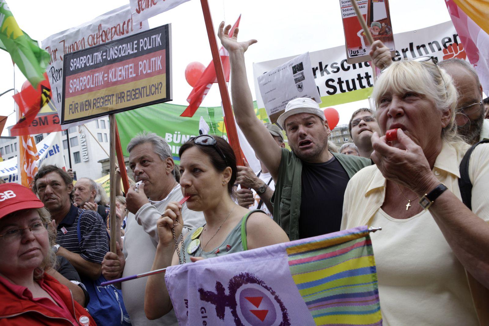 NICHT VERWENDEN Demo gegen Sparpläne