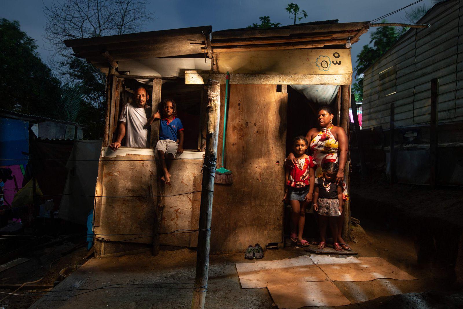 TOPSHOT-BRAZIL-ECONOMY-SOCIETY-HEALTH-VIRUS