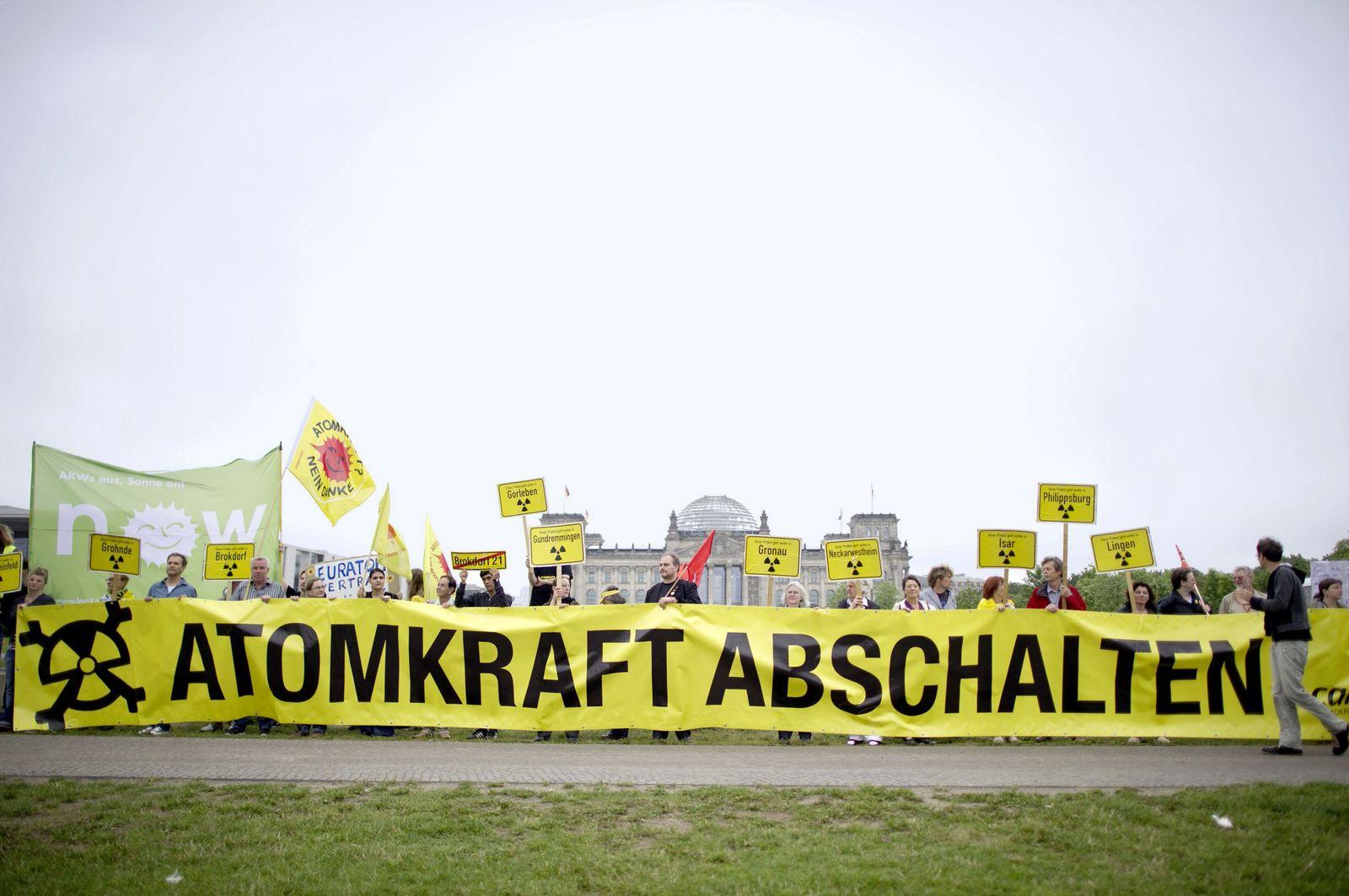 NICHT VERWENDEN Atomenergie/Demonstrationen/Proteste/Atom/Energie/Regierung/Bundestag
