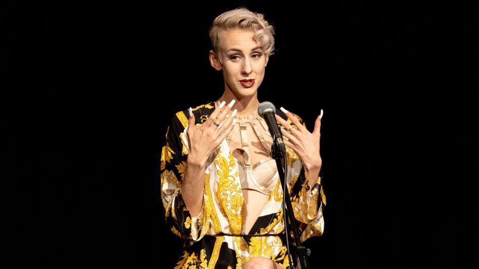 Lisa Eckhart bei einem Auftritt im Februar 2020