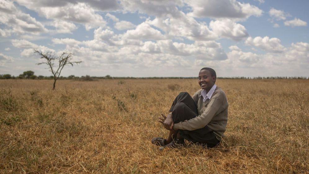 Junge Massai-Frau: Zu Hause in zwei Welten