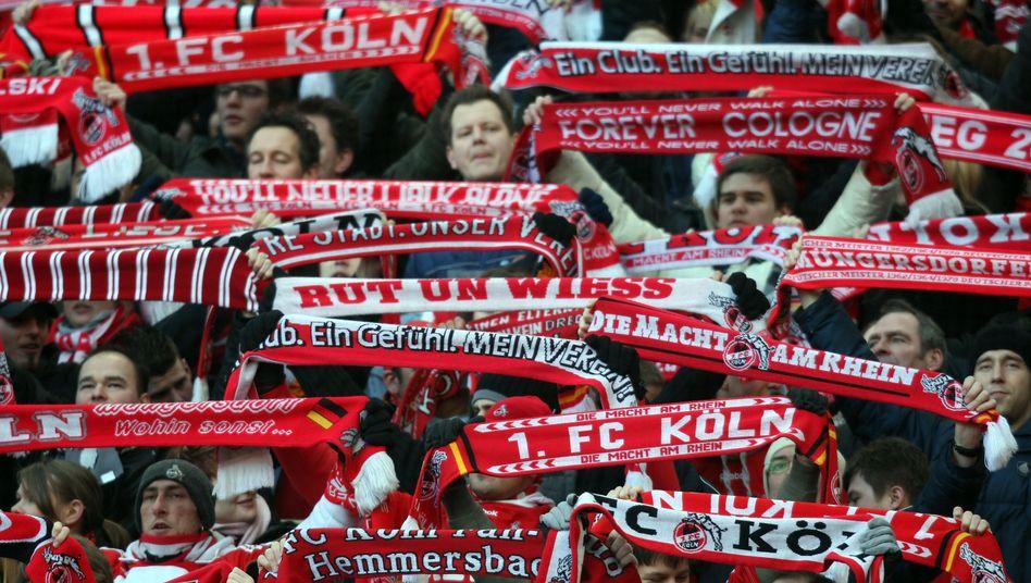 Fußballfans: Demnächst Zeit für die Maifeier