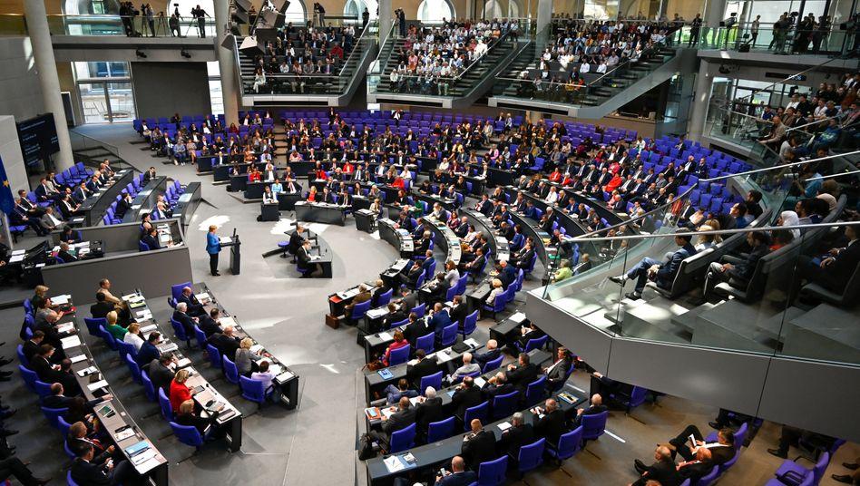 Bundestag: In dieser Legislaturperiode sitzen 709 Abgeordnete im Bundestag