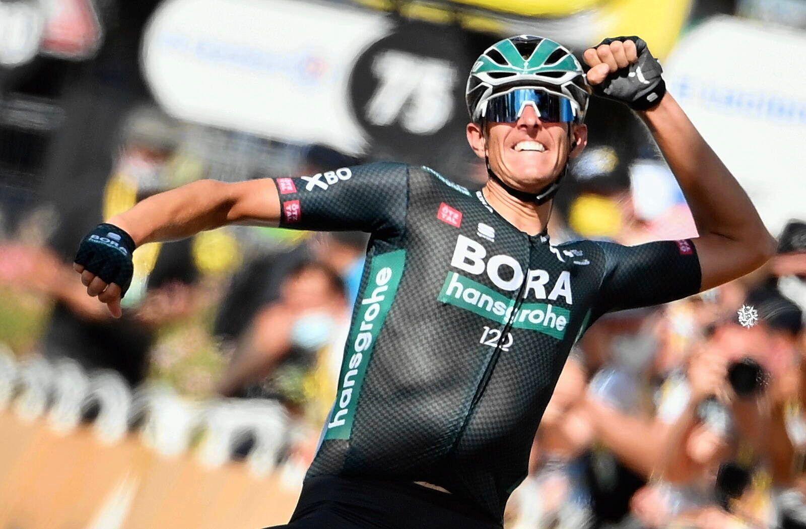 Sport Themen der Woche KW27 Sport Bilder des Tages German Nils Politt of Bora-Hansgrohe celebrates as he crosses the fin