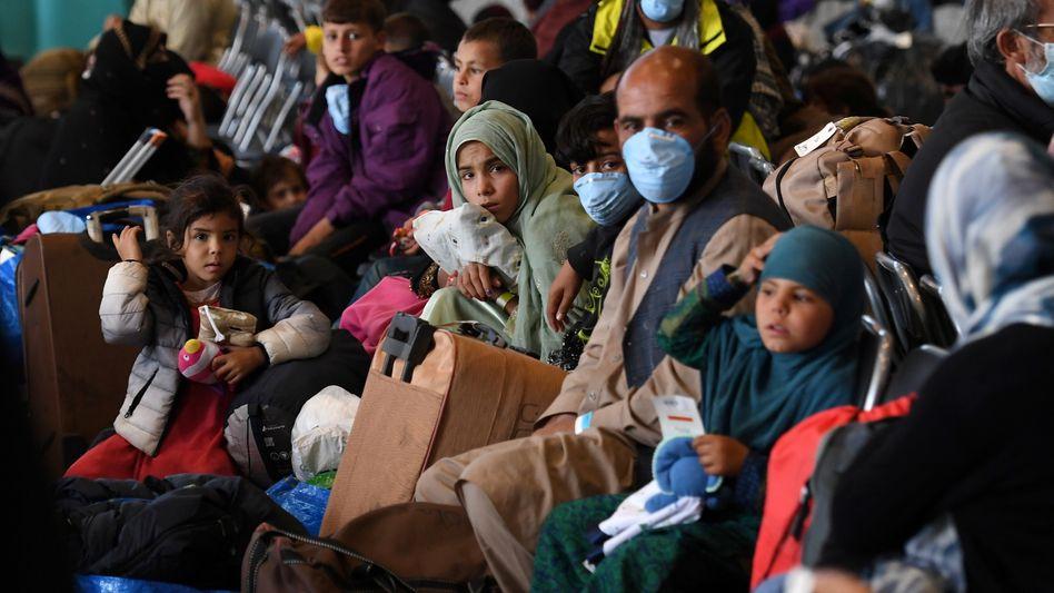 Afghanische Geflüchtete in der Militärbasis Ramstein: Folgenreiche Missverständnisse.