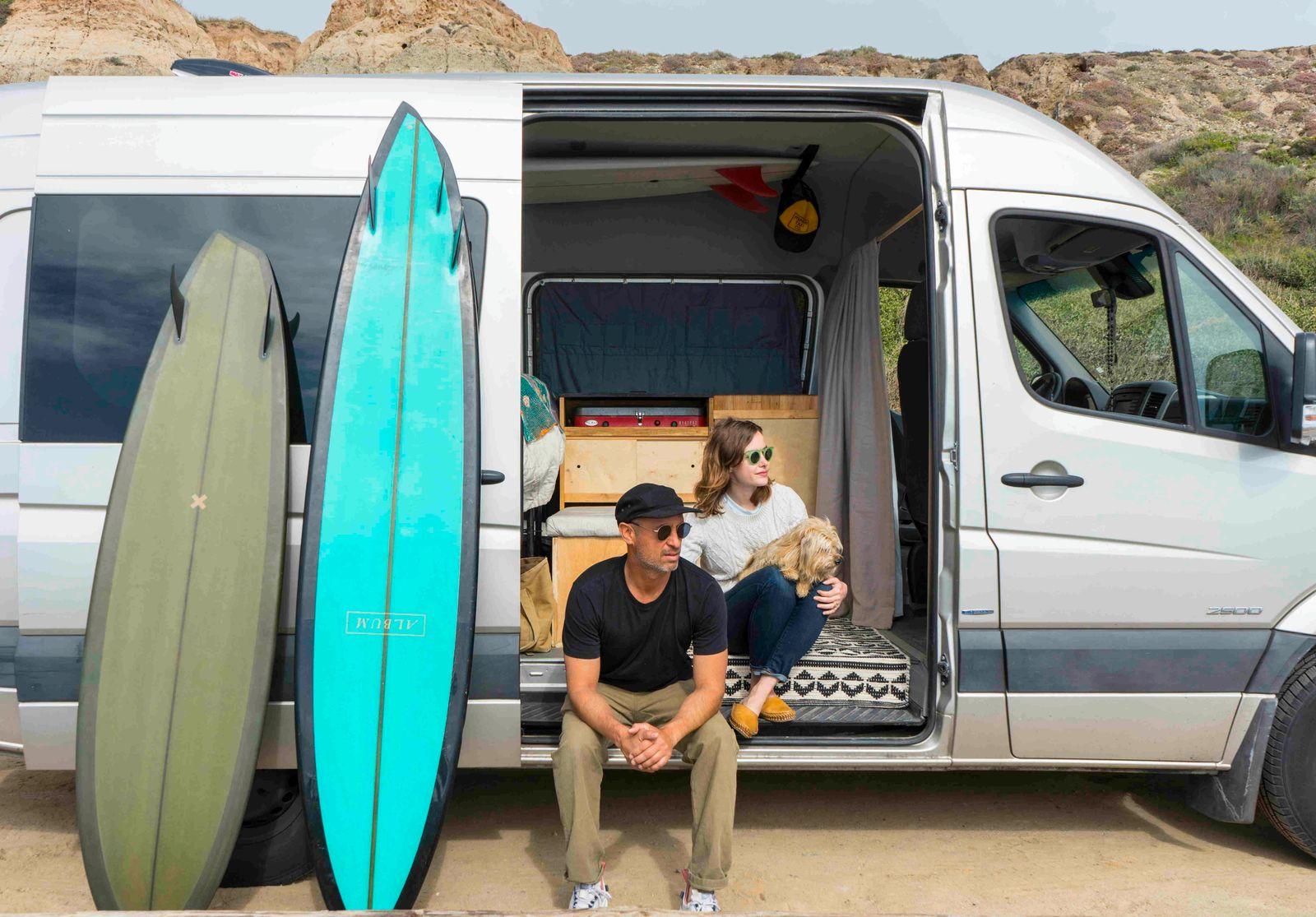 p.125_PhotoMichaelTownsend,Surf Shacks2,Indoekgestalten2020.jpg