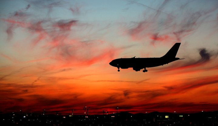 """Landung: """"Der Kapitän, der Co-Pilot und der Autopilot wünschen noch einen schönen Abend"""""""