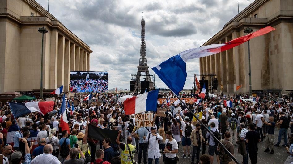Demonstration gegen verschärfte Virusregeln (in Paris am 24. Juli)