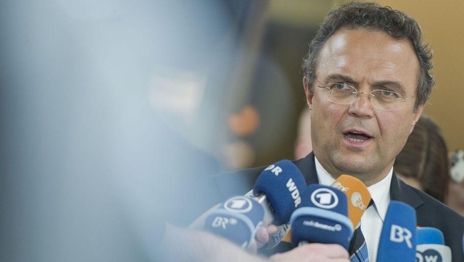 Minister Friedrich und die NSA-Affäre: Der USA-Verteidigungsminister