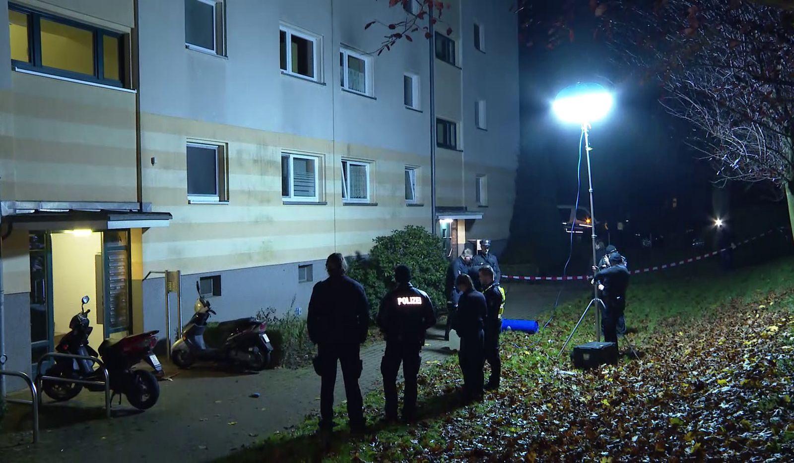 Unbekannter legt tote Frau an Straße in Hamburg ab