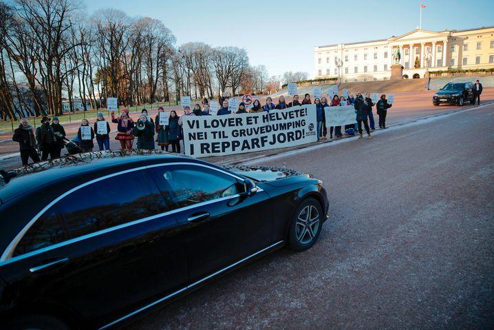 Protest von Umweltschützern in Oslo gegen das Bergbauprojekt
