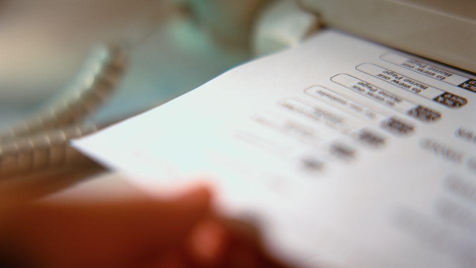 Faxgerät: Der altmodische Weg scheint für Fragesteller noch der beste zu sein