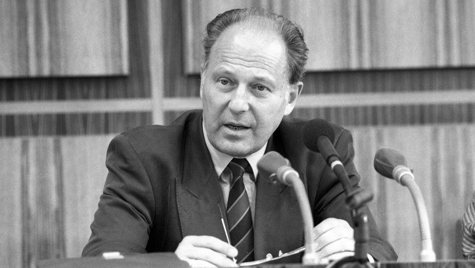 Jürgen Warnke: Jahrelang Minister im Kabinett Kohl