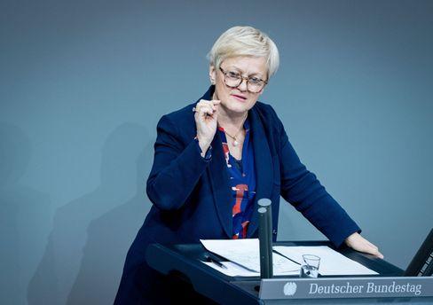Bundestagsabgeordnete Renate Künast: »Jede Kopie eines verleumderischen Falschzitats suchen«