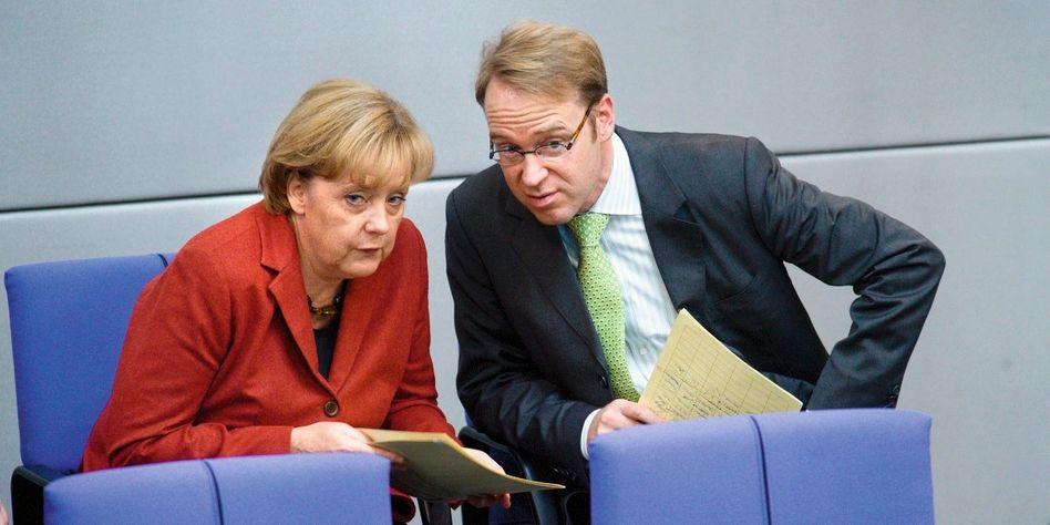 Kanzlerin Merkel, Mitarbeiter Weidmann: Wem gehört künftig seine Loyalität?