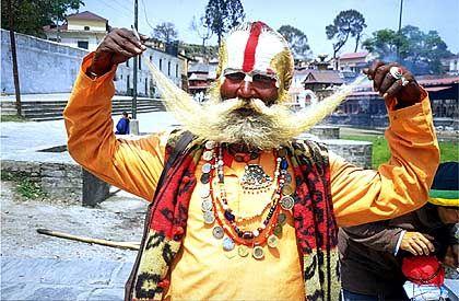 Beim Barte des Propheten: Der Sadhu widmet sein Leben der Enthaltsamkeit. Ein nützliches Argument, wenn er später Geld für das Foto sehen will