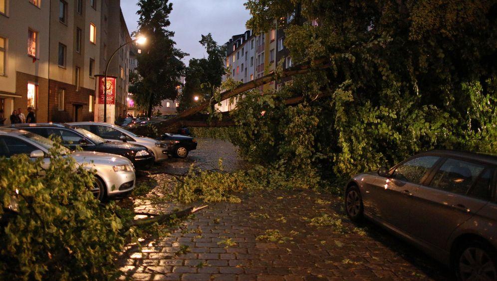 Unwetter in Deutschland: Regen, Hagel, Sturm