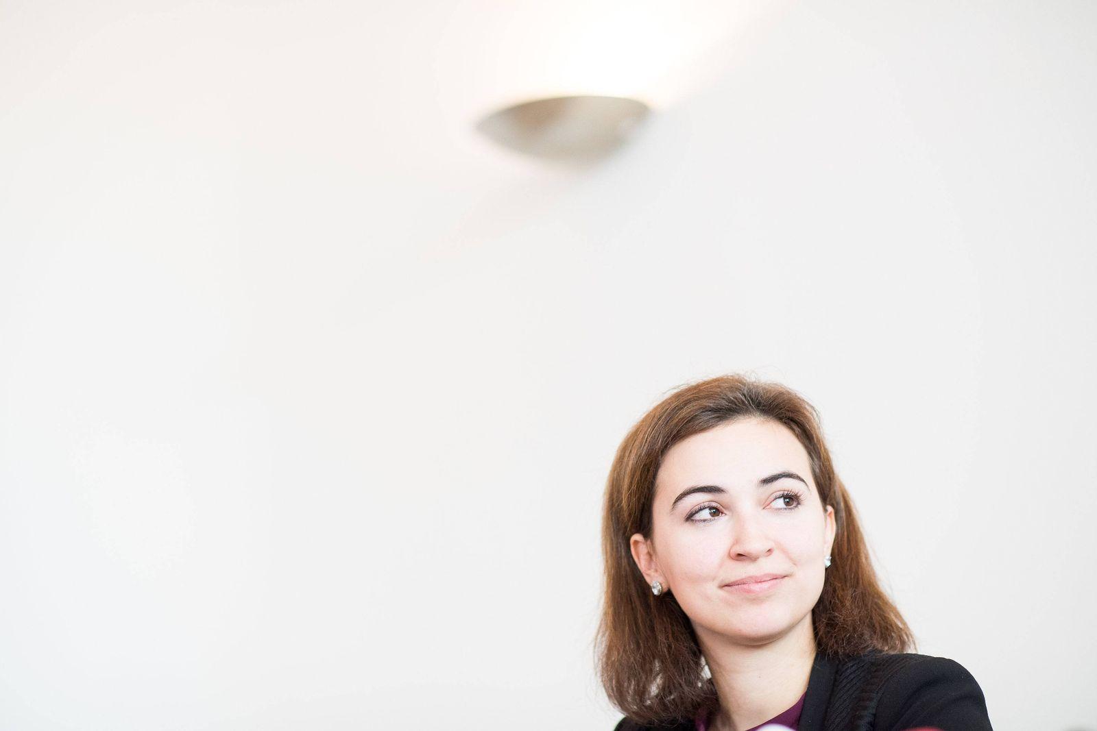 EINMALIGE VERWENDUNG Alma Zadic