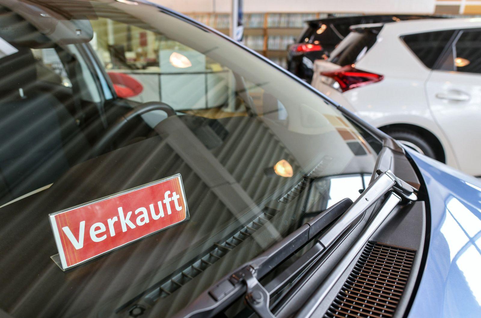 Umfrage: Knapp die Hälfte der Deutschen für Autokaufprämie