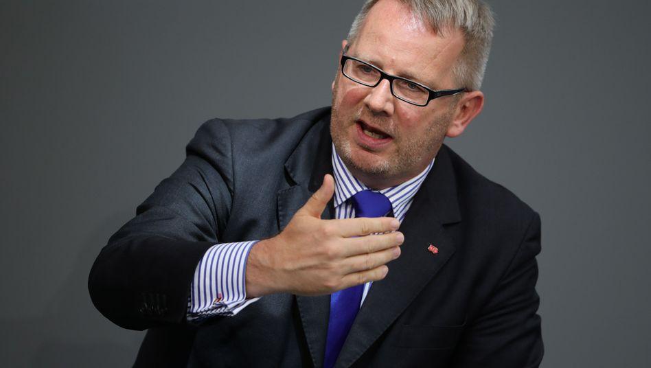 Sieht den Wechsel von Annegret Kramp-Karrenbauer ins Verteidigungsministerium kritisch: SPD-Politiker Johannes Kahrs