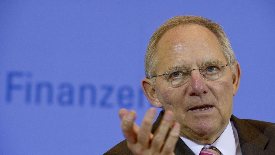 Wolfgang Schäuble schnürt Sparpaket: Debatte über den Rotstift