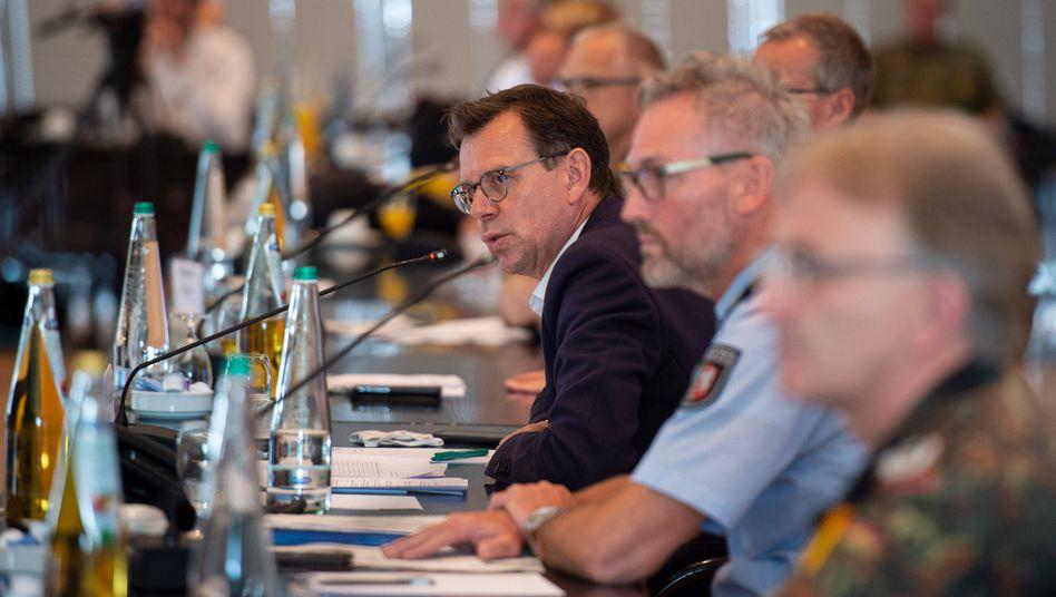 Pressekonferenz zum Corona-Asubruch bei Tönnies: Das Unternehmen habe Wochen gehabt, um sich zu erklären