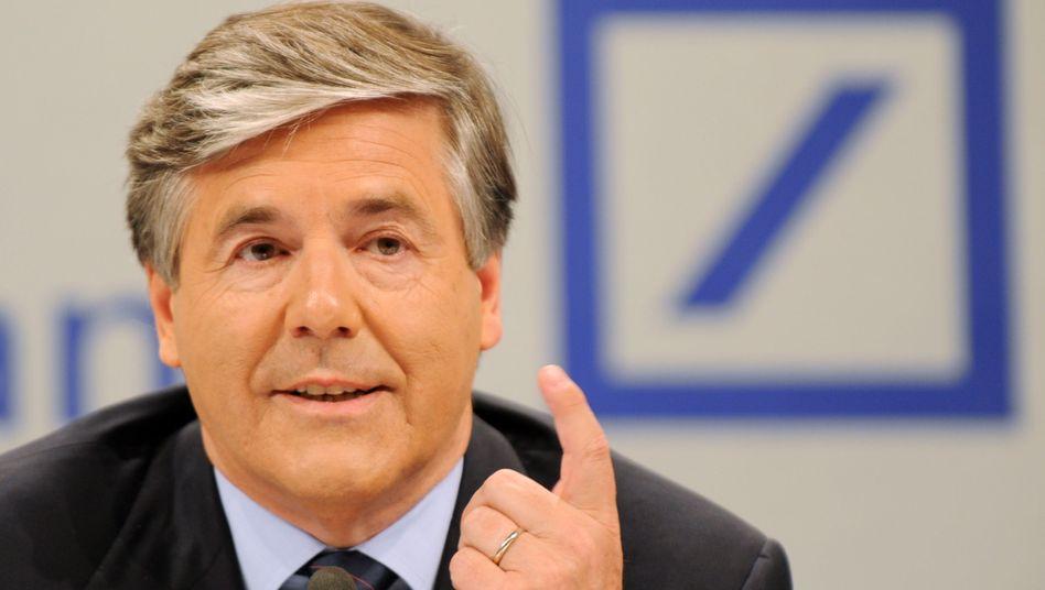 Deutsche Bank CEO Josef Ackermann is opposed to a mandatory gender quota.