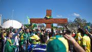 Hunderte demonstrieren für Bolsonaro
