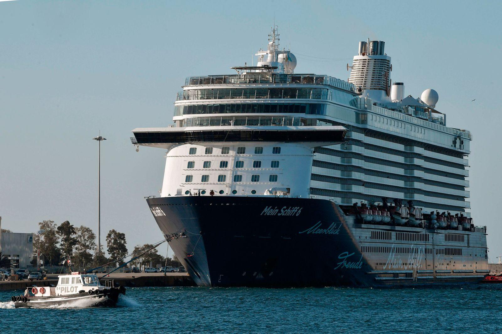 GREECE-TRAVEL-TOURISM-CRUISE-HEALTH-VIRUS