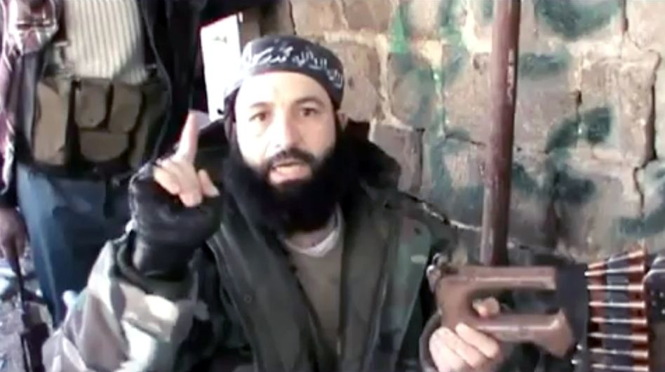 Hajan M. appears in what is believed to be the first German-language video from the Syrian war zone.