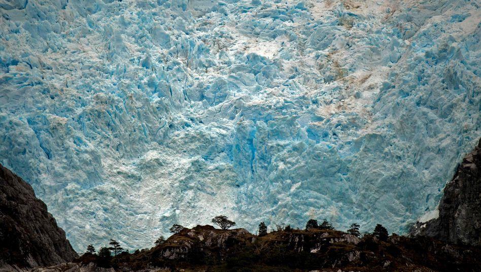 Schmelzender Santa-Ines-Gletscher in Punta Arenas, Chile