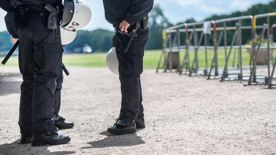 Polizisten im Einsatz (Symbolbild)