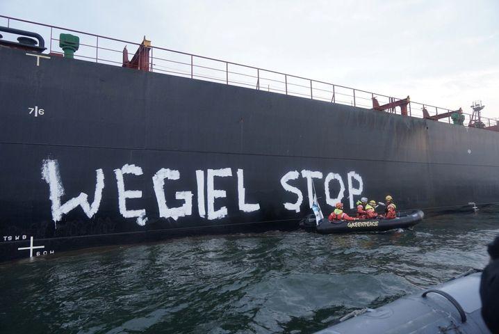 Greenpeace-Aktion im Hafen von Danzig