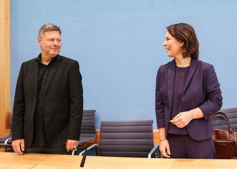 Die Grünenvorsitzenden Annalena Baerbock und Robert Habeck
