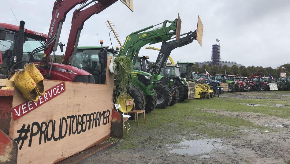 Protest gegen Klimapolitik: Bauern haben nahe Den Haag Traktoren aufgereiht